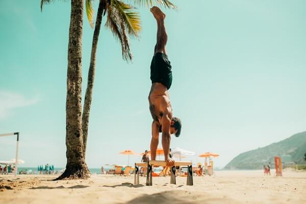 handstand-benefits